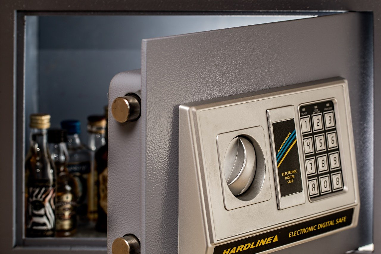 Purchasing a Newer Safe – Guidelines to Keep in Mind Before Choosing